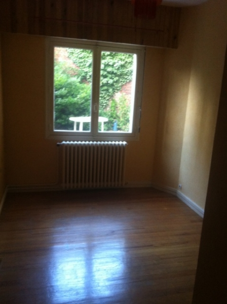 appartement t2 louer. Black Bedroom Furniture Sets. Home Design Ideas