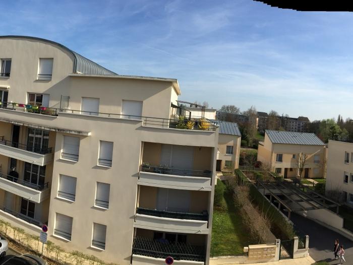 Appartement t2 louer paris 16 me arrondissement for Location appartement jardin