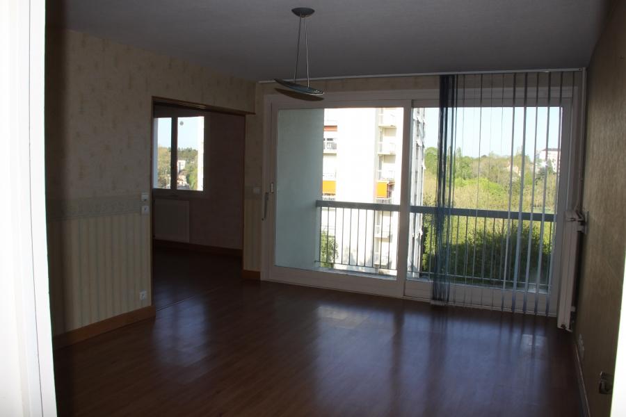 appartement t4 louer chartres 28000 quartier bords de l 39 eure. Black Bedroom Furniture Sets. Home Design Ideas