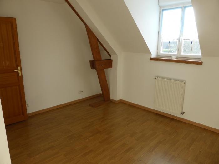 Location Maison 6 pièces DANGEAU ()
