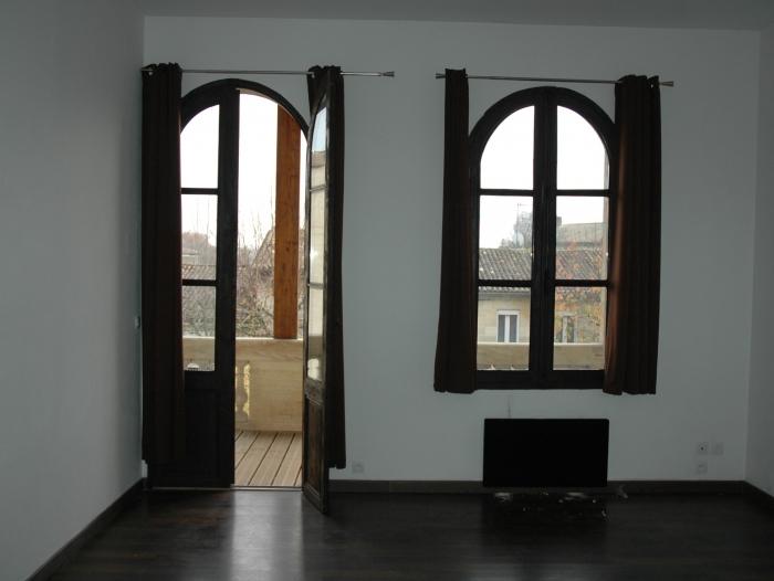 Appartement atypique t2 louer saint andr de cubzac for Location appartement atypique 92