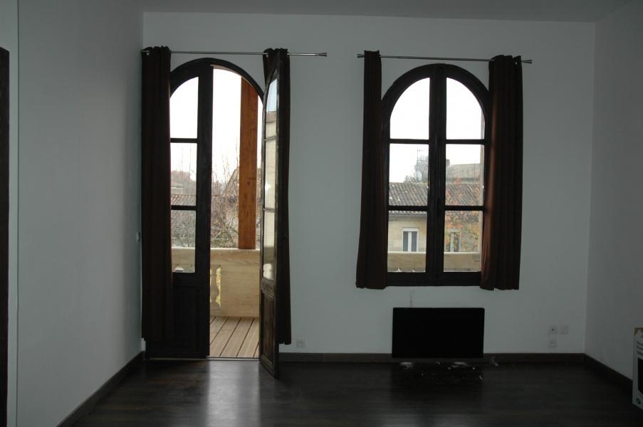 Appartement atypique t2 louer saint andr de cubzac for Location appartement atypique saint etienne