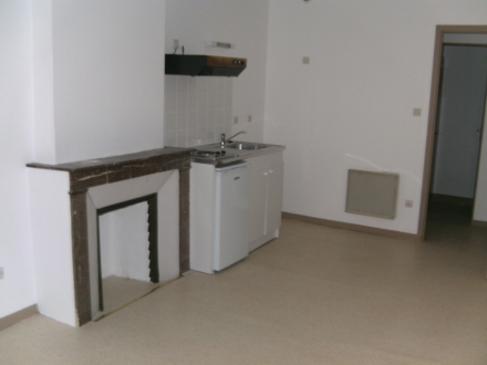 Location Appartement 2 pièces Verdun (55100) - Proche commerces