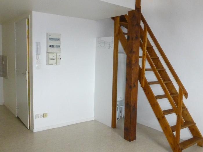 Location Studio 1 pièces Châlons-en-Champagne (51000) - place de la République