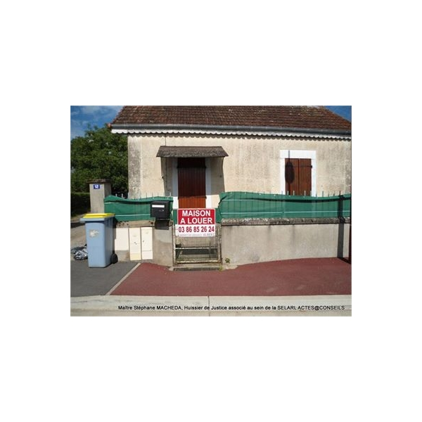 Maison t2 louer coulanges les nevers 58660 for Garage a louer nevers