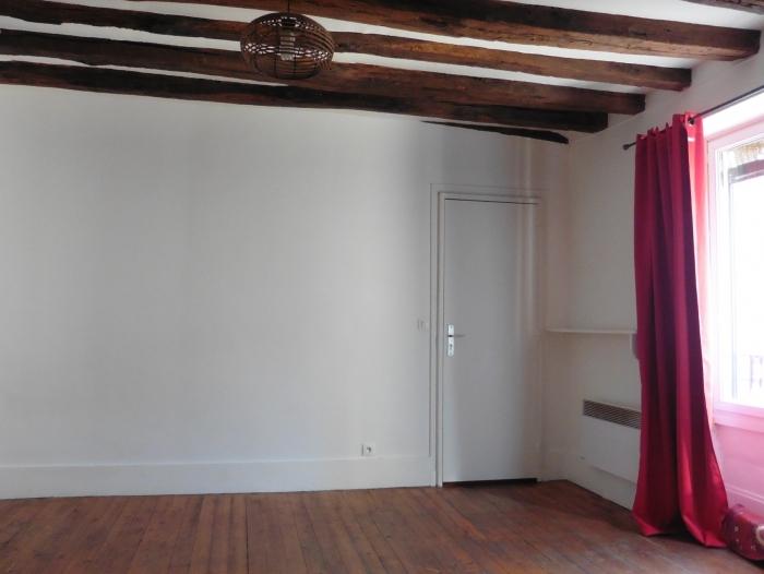Location Studio 1 pièces Neauphle-le-Château (78640) - NEAUPHLE LE CHATEAU, CENTRE VILLE
