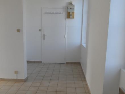 Location Studio 1 pièces Chémery (41700) - centre bourg