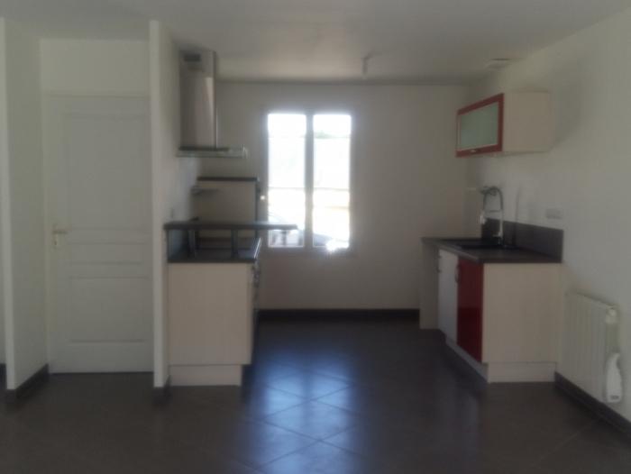Location Maison 4 pièces Nogent-le-Phaye (28630)