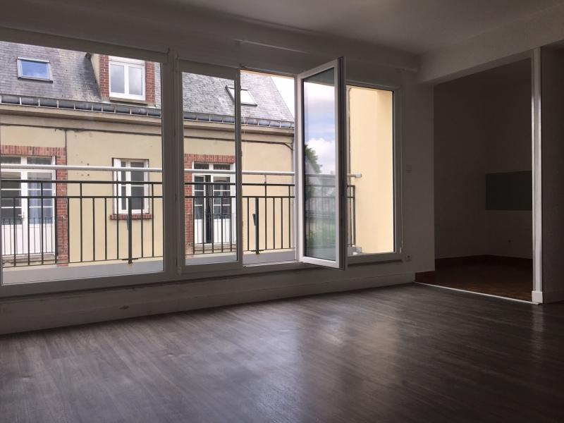 appartement avec balcon t2 louer l 39 aigle 61300 quartier dans le centre ville. Black Bedroom Furniture Sets. Home Design Ideas