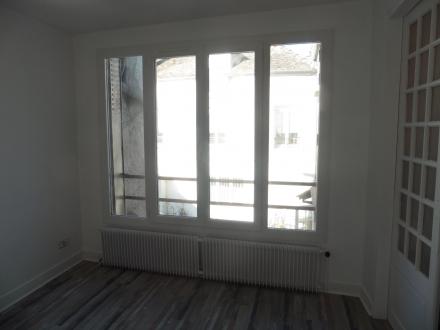 Location Appartement rénové 2 pièces Neauphle-le-Château (78640)