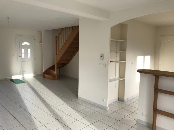 Location Maison 4 pièces Saint-Arnoult-des-Bois (28190)