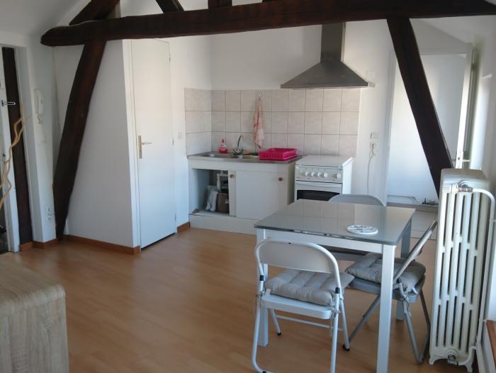Location Studio 1 pièces Châlons-en-Champagne (51000) - Centre ville