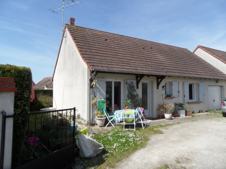 Location Maison 3 pièces Cour-Cheverny (41700) - Centre bourg