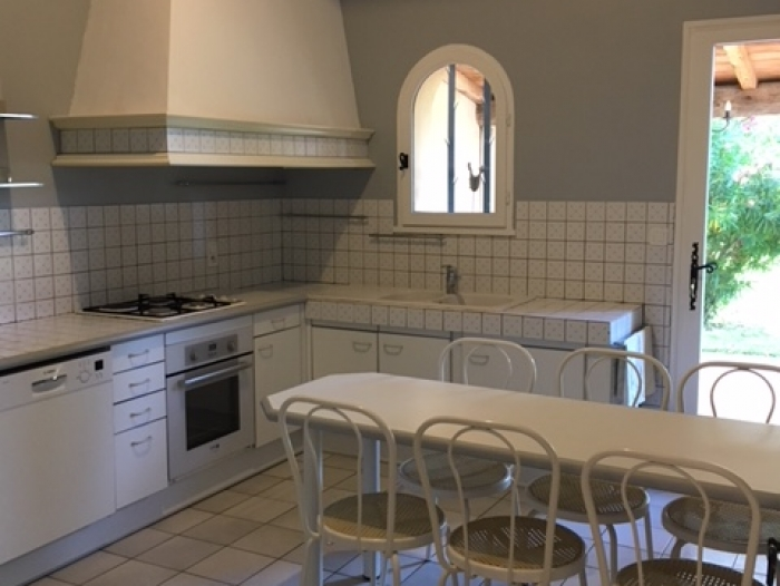 Location Maison 7 pièces Nîmes (30000) - PROXIMITE GOLF