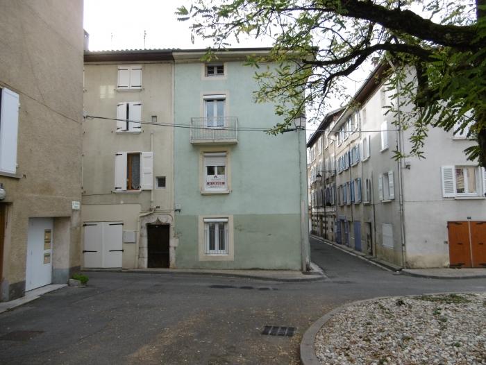Studio-T1-centre ville de saint marcellin