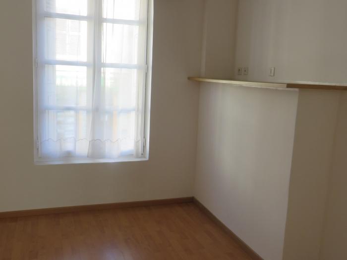 Location Appartement 1 pièces Damville (27240) - CENTRE VILLE