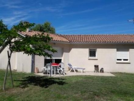 Location Maison 4 pièces Auros (33124) - Proche école