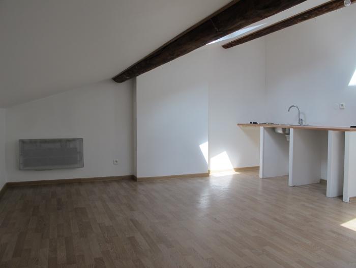 Location Studio  pièces Villefranche-sur-Saône (69400) - prox gare