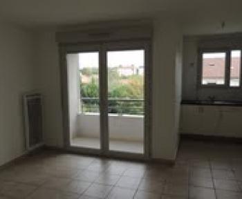 Location Appartement 2 pièces Saint-Priest (69800)