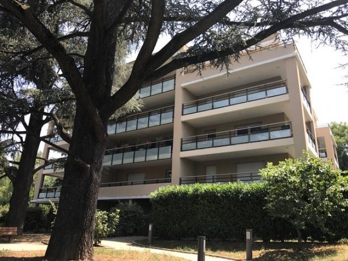 Location Appartement  pièces Caluire-et-Cuire (69300)