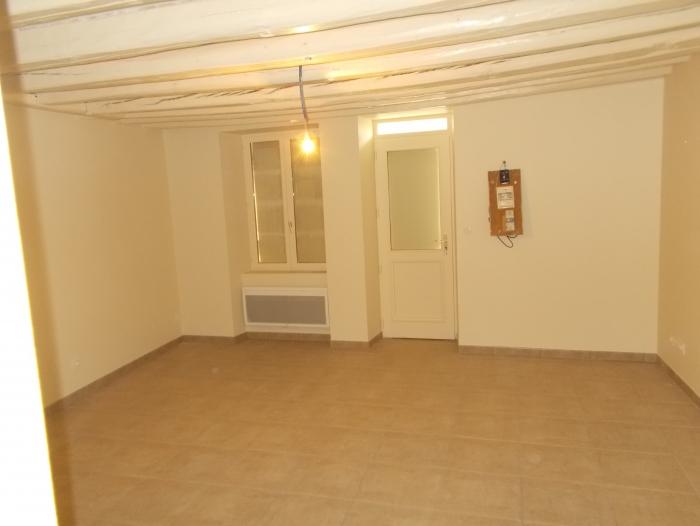 Location Maison 2 pièces Courcelles-la-Forêt (72270) - COURCELLES LA FORET