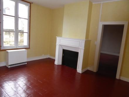 Location Appartement  pièces Beaulieu-lès-Loches (37600) - rue Bourgoise