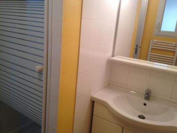 Location Appartement 2 pièces Saint-Macaire (33490) - Proche commerces