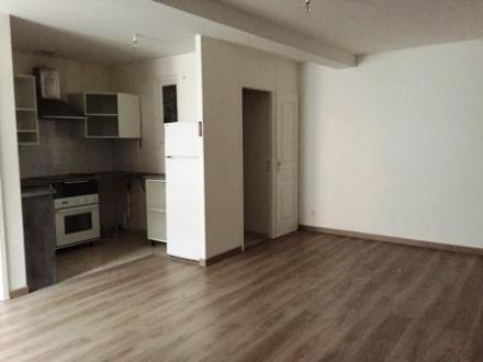 Location Appartement 3 pièces Saint-Macaire (33490) - Proche commerces