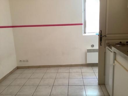 Location Appartement 1 pièces Châteauneuf-de-Gadagne (84470)