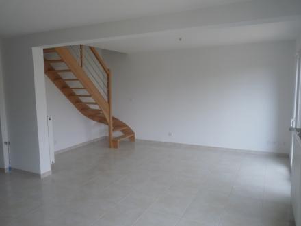 Location Maison 4 pièces Rocquancourt (14540) - lotissement