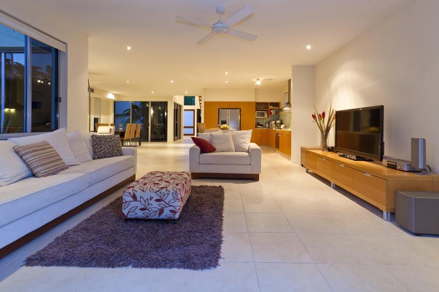 Villa avec piscine t5 louer saint mand 94160 for Villa design avec piscine