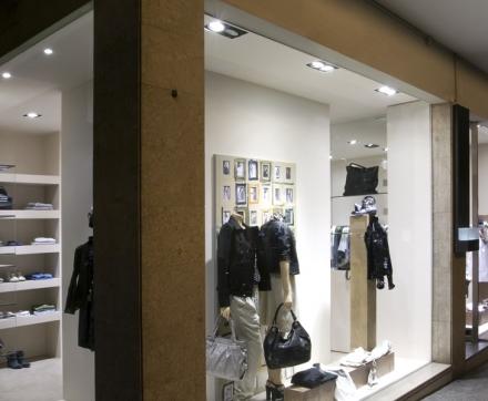 Location Boutique 2 pièces Paris 10ème arrondissement (75010) - Centre ville