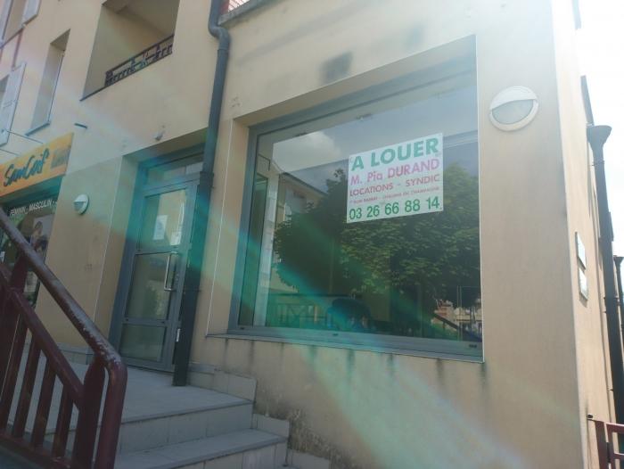 Location Local commercial  pièces  () - St Memmie
