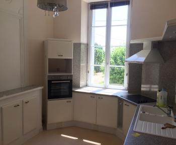 Location Maison 5 pièces Saint-Quentin-de-Baron (33750)