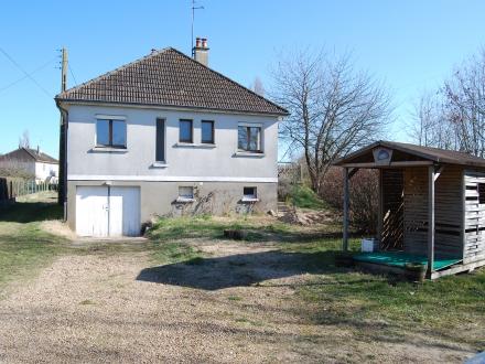 Location Maison 4 pièces Bazouges-sur-le-Loir (72200) - BAZOUGES SUR LE LOIR