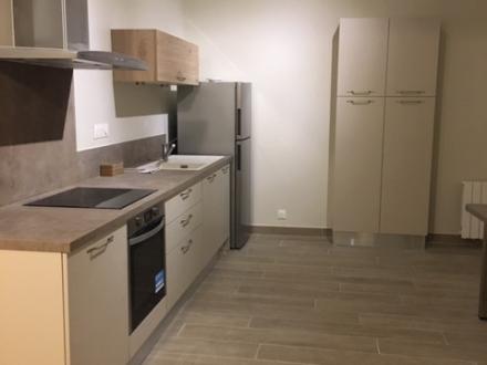 Location Appartement rénové 3 pièces L'Isle-sur-la-Sorgue (84800)