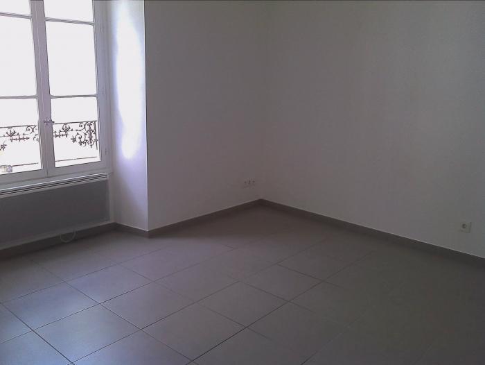 Location Appartement atypique 2 pièces Étampes (91150) - Centre-ville