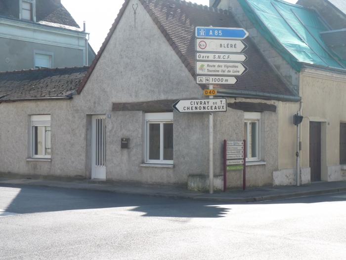 Location Maison 2 pièces La Croix-en-Touraine (37150) - Centre ville