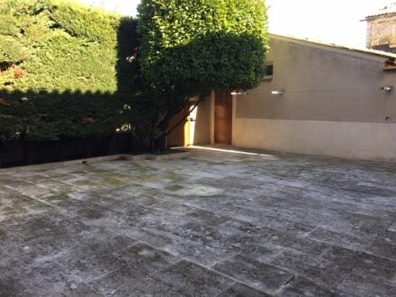 Location Maison 6 pièces L'Isle-sur-la-Sorgue (84800) - avec terrasse et garage