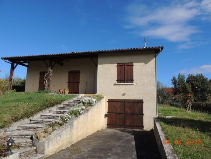 Location Maison avec jardin 4 pièces Nogaro (32110) - Proche école et commerces