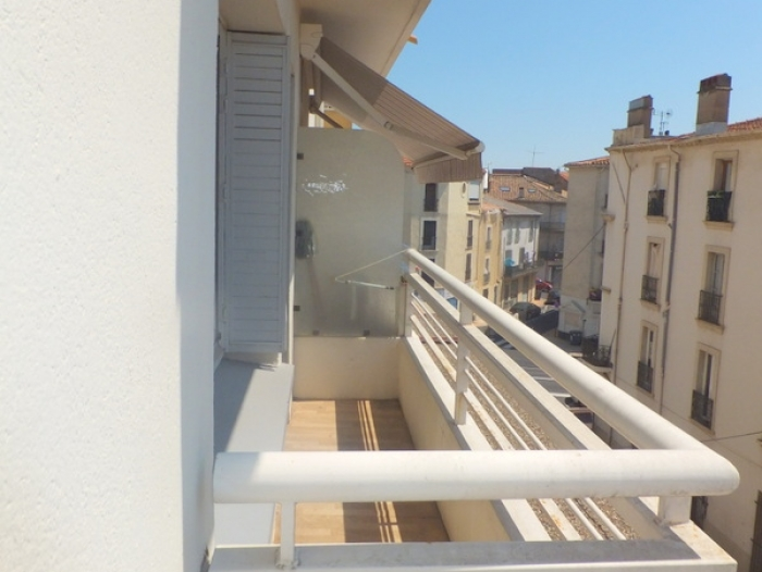 Location Appartement avec balcon 3 pièces Béziers (34500) - rue d'Arcol