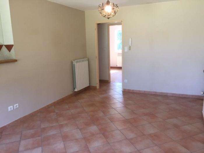 Location Maison 4 pièces L'Isle-sur-la-Sorgue (84800) - avec cour