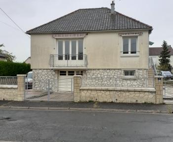 Location Maison 3 pièces Saint-Aignan (41110) - CENTRE BOURG