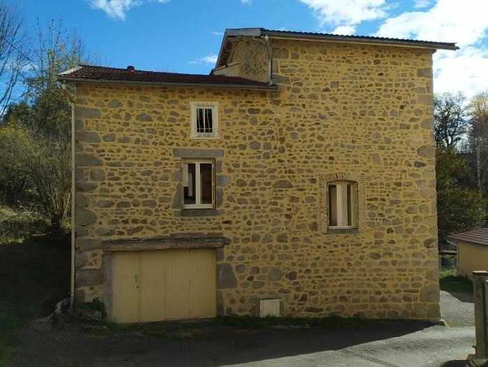 Location Maison 5 pièces Celles-sur-Durolle (63250) - LE MOULIN NEUF CELLES SUR DUROLLE