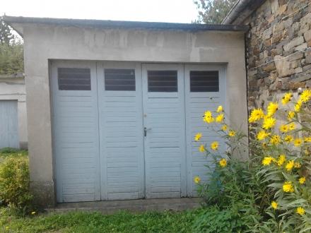 VIRE, garage fermé Rue de la porte de neuville