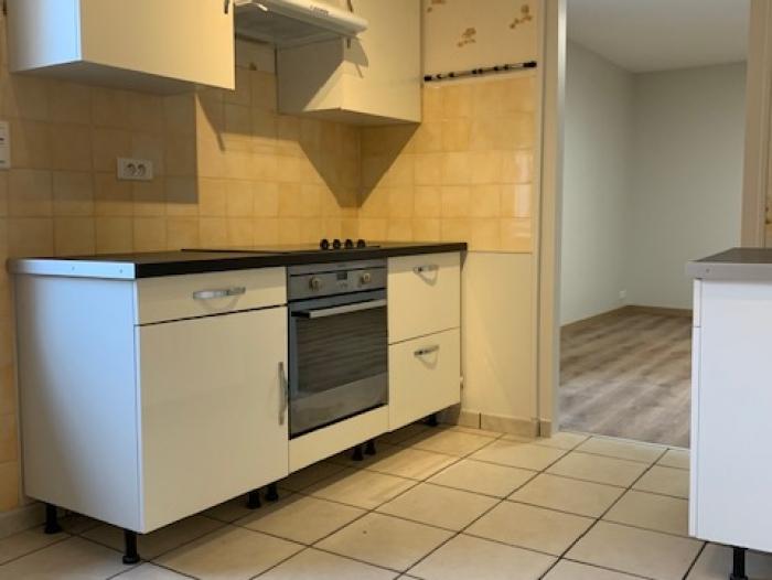 Location Maison de ville 3 pièces Cosne-Cours-sur-Loire (58200) - centre-ville