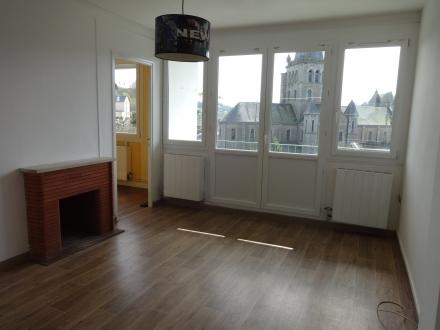 Location Appartement avec balcon 2 pièces Vire (14500) - Centre-ville