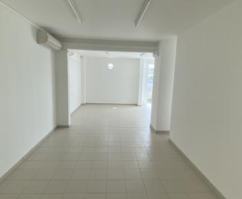 Location Local professionnel 1 pièce LeLamentin (97232) - Bourg du Lamentin
