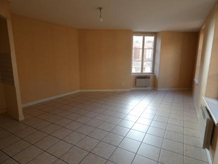 Location Appartement 2 pièces Thiers (63300) - RUE PHILIPPE-DUFOUR